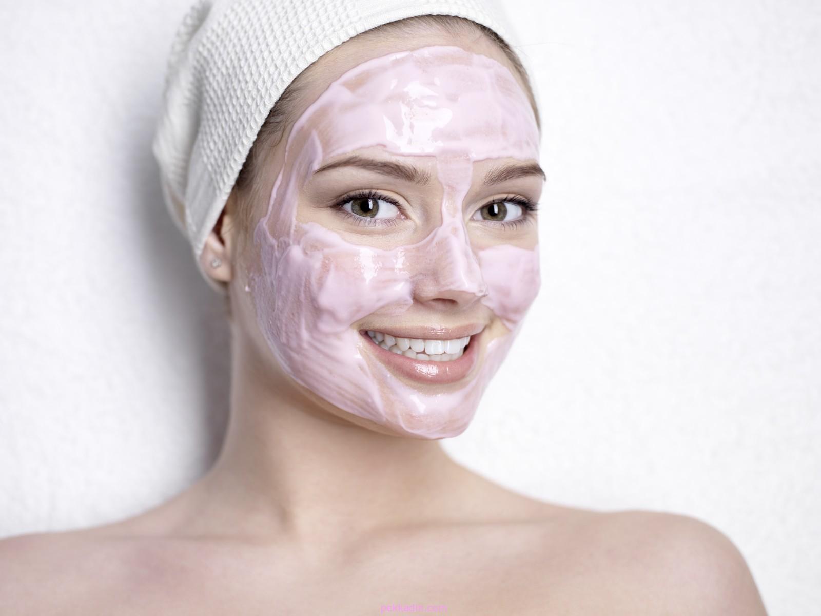 Cilt Germe Yöntemleri: Cildi Geren Maske Önerileri